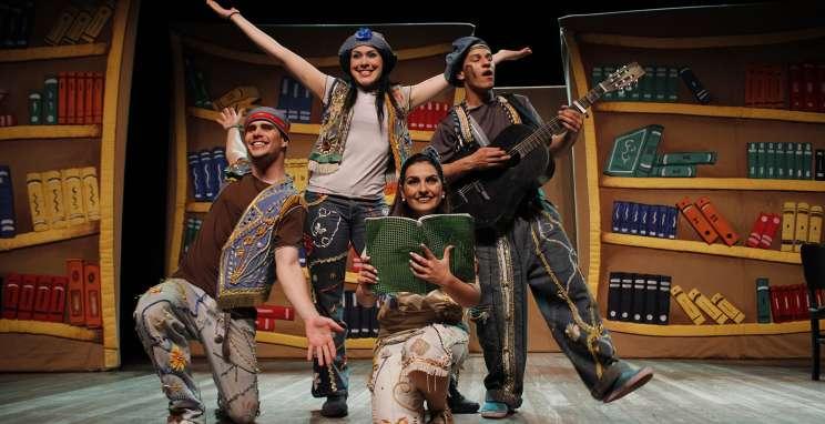 Alunos da rede municipal assistirão à peça 'A menina da biblioteca' do projeto 'Viajando Pelo Mundo do Teatro'