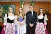 Presidente Bolsonaro recebe convite para abertura da ExpoBento/Fenavinho