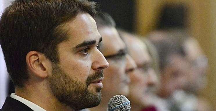 Eduardo Leite apresenta propostas no CIC-BG