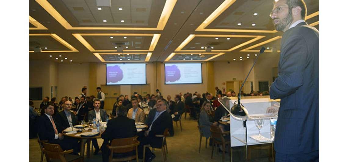 CIC-BG estimula reflexão sobre futuro político do País e do Estado