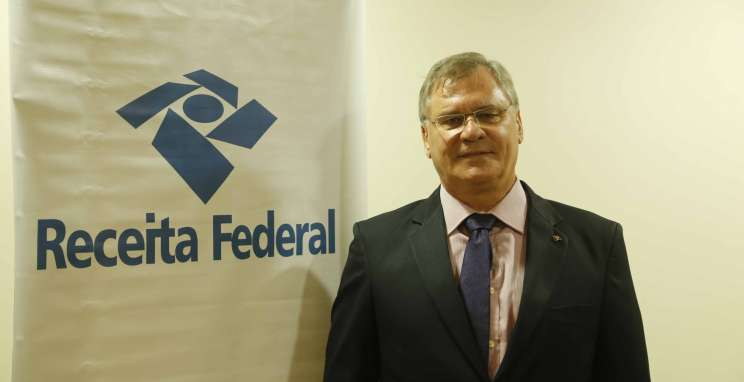 Delegado da Receita Federal palestra sobre destinação de imposto de renda no CIC-BG