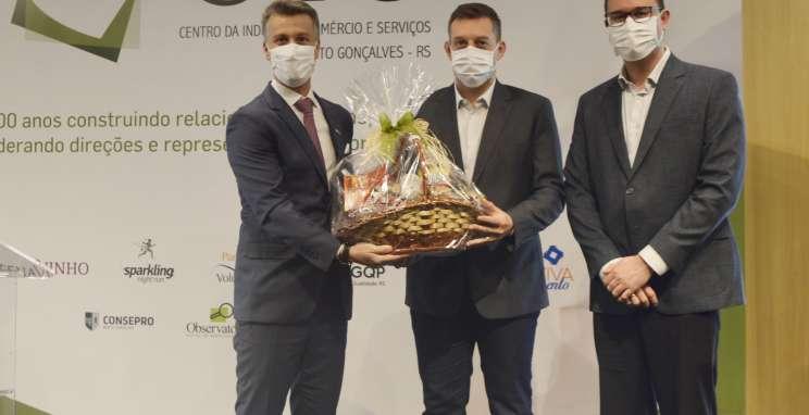 Presidente do CIC-BG, Rogério Capoani, ex-prefeito Guilherme Pasin e Prefeito de Bento Gonçalves, Diogo Siqueira